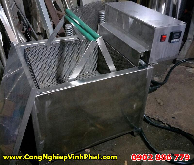 Bêp chiên nhúng công nghiệp sản xuất đậu phộng da cá nước cốt dừa