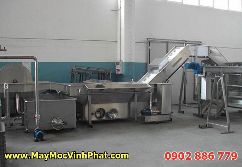 Máy chiên công nghiệp tự động tích hợp bằng tải cho công suất sản xuất lớn