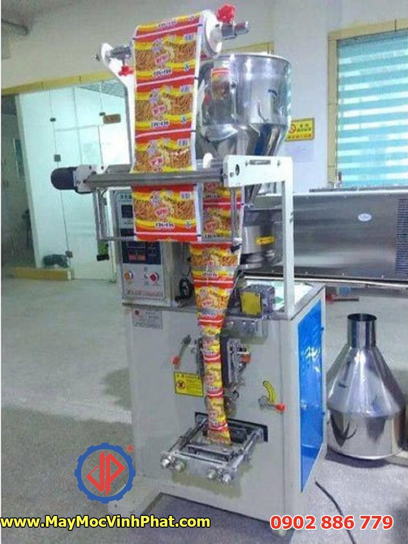 Một mẫu máy đóng gói snack, bim bim thiết kế theo yêu cầu của khách hàng