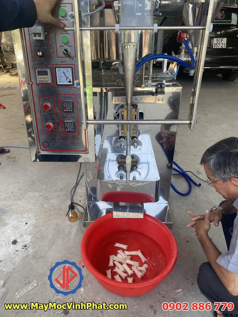 Máy đóng gói sữa chua que Vĩnh Phát chất lượng tuyệt vời, giá rẻ nhất