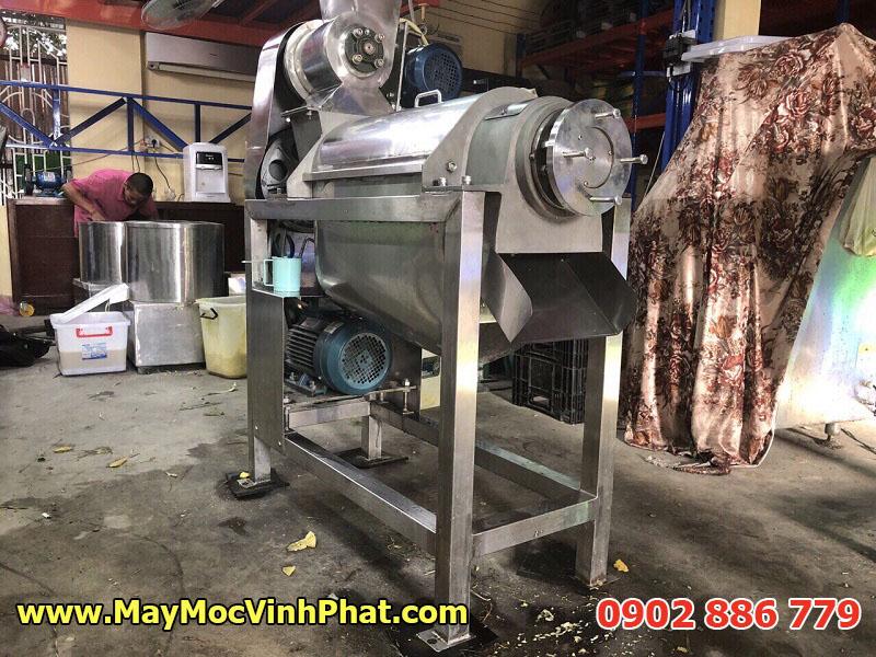 Hình ảnh máy ép nước trái cây công nghiệp năng suất cao, hiệu quả lâu dài do Vĩnh Phát chế tạo