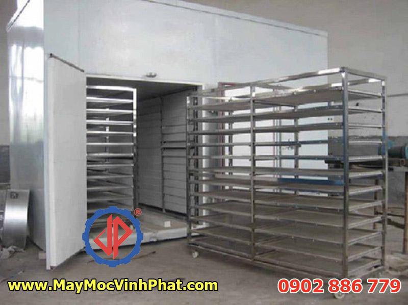 Một loại tủ sấy nông sản, máy sấy me thái Vĩnh Phát đang lắp đặt