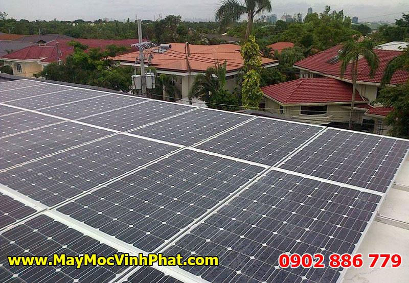 Máy sấy nông sản bằng năng lượng mặt trời sử dụng các tấm pin chuyên dụng tạo ra nguồn điện