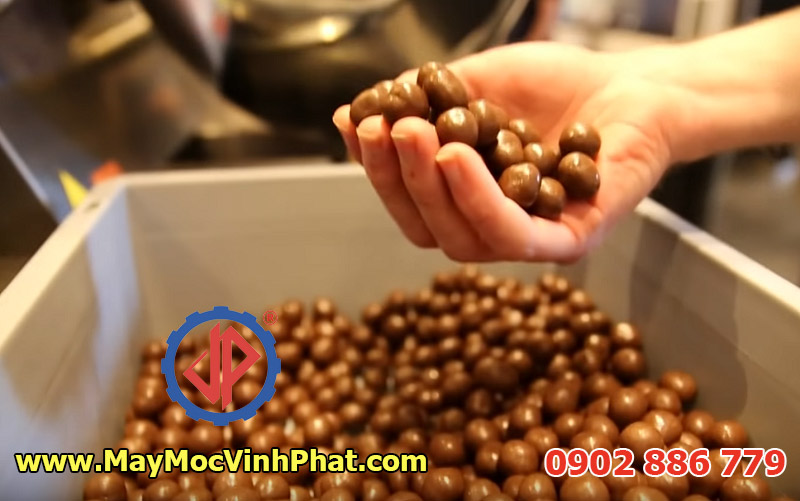 Thành quả món đậu phộng bọc socola do Vĩnh Phát tư vấn và cung cấp thiết bị