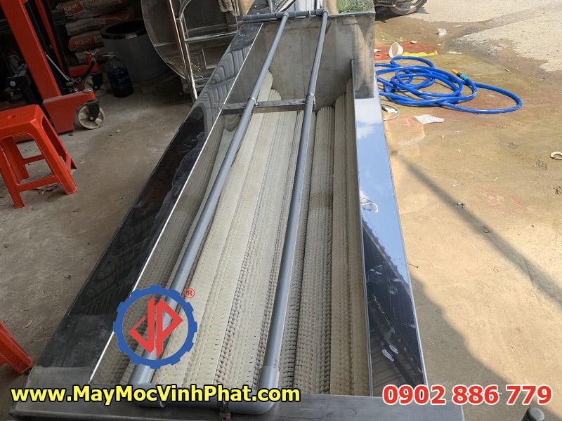 Máy rửa khoai lang made in Vietnam do Vĩnh Phát chế tạo hoàn toàn bằng inox 304