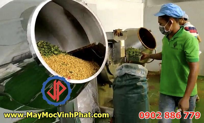 Ứng dụng trộn nhiều loại nguyên liệu bằng máy trộn tẩm gia vị công nghiệp Vĩnh Phát